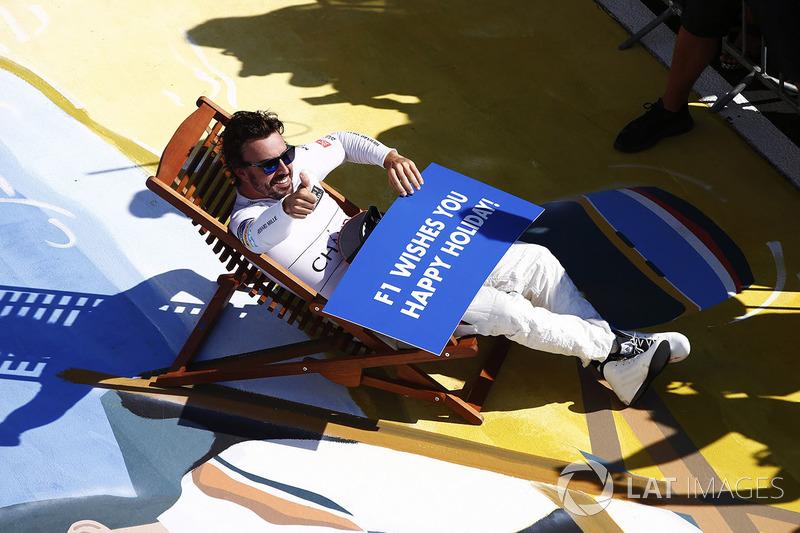 Фернандо Алонсо желает всем хорошего отпуска после Гран При Венгрии