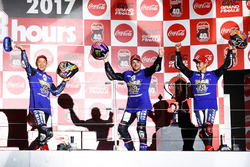 Podio: ganadores de la carrera Katsuyuki Nakasuga, Alex Lowes, Michael Van Der Mark, Yamaha Factory Racing Tea