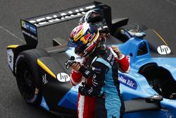 Sébastien Buemi, Renault e.Dams, and Nick Heidfeld, Mahindra Racing, in Parc Ferme
