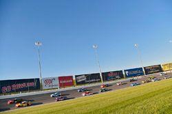 Kurt Busch, Stewart-Haas Racing Ford, Kyle Busch, Joe Gibbs Racing Toyota