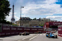 Sébastien Buemi, Renault e.Dams, leads Jean-Eric Vergne, Techeetah