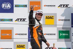 Podium, Rookie : Joey Mawson, Van Amersfoort Racing, Dallara F317 - Mercedes-Benz