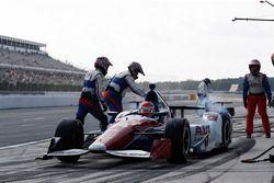 Carlos Muñoz, A.J. Foyt Enterprises Chevrolet, pit stop