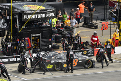 Martin Truex Jr., Furniture Row Racing Toyota makes a pit stop
