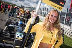 Grid girl, David Beckmann, Van Amersfoort Racing, Dallara F317 - Mercedes-Benz