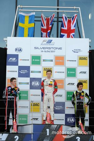 Podium: Race winner Callum Ilott, Prema Powerteam, Dallara F317 - Mercedes-Benz, second place Joel E