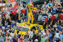 Winner Alon Day