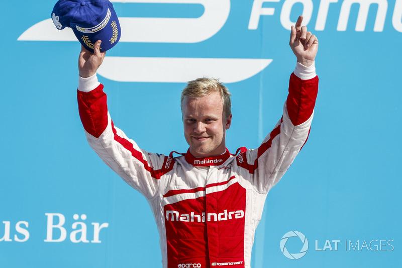 Ná rodada dupla da Fórmula E em Berlim, Felix Rosenqvist foi o vencedor do sábado. Lucas di Grassi foi o segundo colocado e Sebastien Buemi foi desclassificado.
