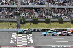 Kyle Benjamin, Joe Gibbs Racing Toyota leads the field to the green flag