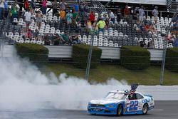 Il vincitore della gara Brad Keselowski, Team Penske Ford