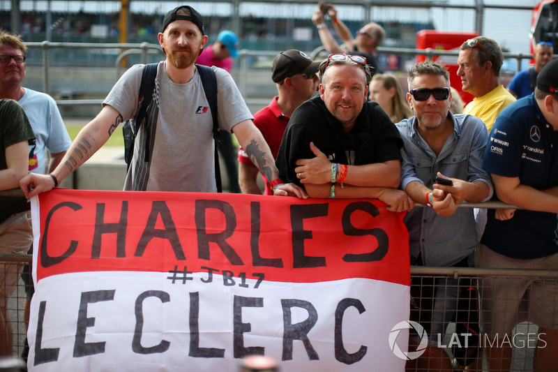 Charles Leclerc, Prema Racing fans and banner