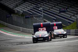 Макс Ферстаппен и Даниэль Риккардо, гонки с домами на колесах