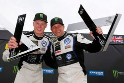 Podium: winner Petter Solberg, PSRX Volkswagen Sweden, second place Johan Kristoffersson, Volkswagen Team Sweden