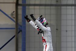 Race winnaar #29 Audi Sport Team Land-Motorsport, Audi R8 LMS: Kelvin van der Linde