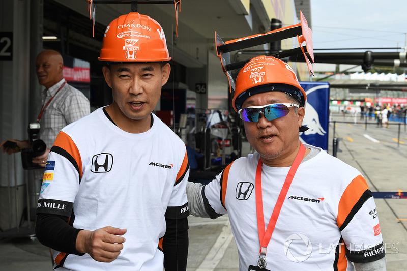 McLaren fans and hat