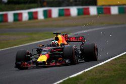 Daniel Ricciardo, Red Bull Racing RB13 sparks