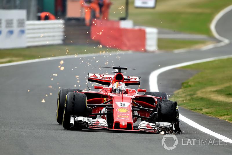 Всю весну и половину лета Себ лидировал в чемпионате – порой его преимущество над Хэмилтоном достигало 25 очков. Но в Сильверстоуне на предпоследней круге у Ferrari не выдержала шина – и два пилота сравнялись в таблице