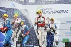 LMP2-Podium: 1. Ho-Pin Tung, Oliver Jarvis, Thomas Laurent, DC Racing; 2. Julien Canal, Bruno Senna,