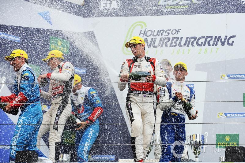 Podio LMP2 Podium: al primo posto Ho-Pin Tung, Oliver Jarvis, Thomas Laurent, DC Racing, al secondo