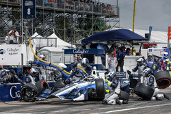 Max Chilton, Chip Ganassi Racing Honda pit stop