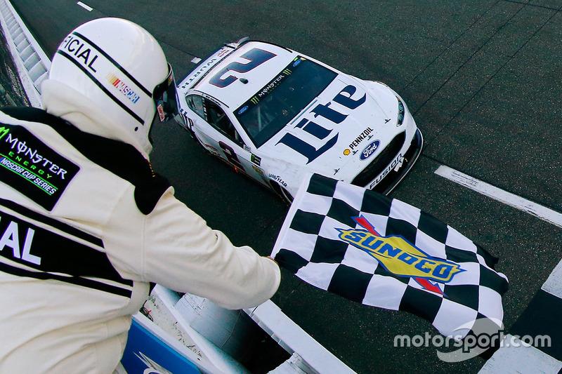 Brad Keselowski, Team Penske Ford conquista la vittoria