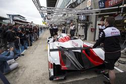 Het Toyota Gazoo Racing team oefent pitstops