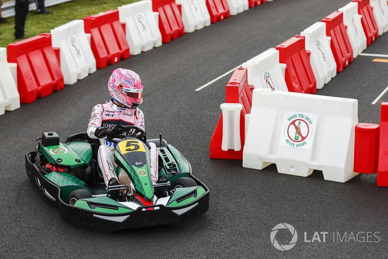 Esteban Ocon, Force India, en un kart