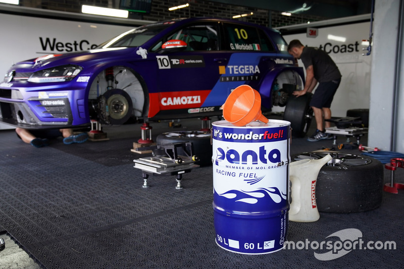 The car of Gianni Morbidelli, West Coast Racing, Volkswagen Golf GTi TCR