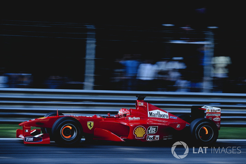 Michael Schumacher (tetracampeón en 2001)