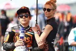 Ayumu Sasaki, SIC Racing Team ve grid kızı