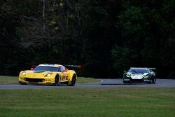 #3 Corvette Racing Chevrolet Corvette C7.R: Antonio Garcia, Jan Magnussen, #16 Change Racing Lamborg