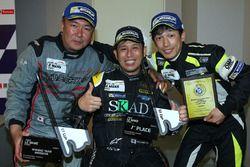 Vainqueurs GT Cup: #96 TKS Porsche 911 GT3 Cup: Shinyo Sano, Takuma Aoki, Shigeto Nagashima