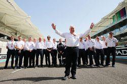 Herbie Blash, FIA Delegate beim FIA-Gruppenfoto