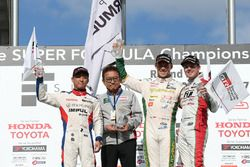 Podium: race winner Andre Lotterer, Team Tom's, second place Yuhi Sekiguchi, Team Impul, third place Nick Cassidy, Kondo Racing