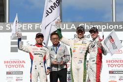 Podium: race winner Andre Lotterer, Team Tom's, second place Yuhi Sekiguchi, Team Impul, third place Nick Cassidy, Kondo Racing