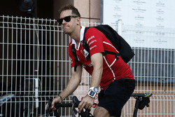 Sebastian Vettel, Ferrari, auf dem Fahrrad