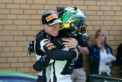 Sieger #19 GRT Grasser Racing Team, Lamborghini Huracán GT3: Ezequiel Perez Companc, Mirko Bortolott