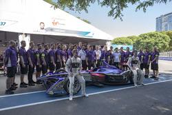 Teamfoto: Virgin Team; Sam Bird, DS Virgin Racing, Spark-Citroen, Virgin DSV-02; Alex Lynn, DS Virgi