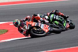 Sturz: Chaz Davies, Ducati Team; Jonathan Rea, Kawasaki Racing