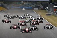 Start: Maximilian Günther, Prema Powerteam Dallara F317 - Mercedes-Benz, führt