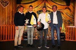 Rookeiwertung, 1. Mick Wishofer, Lechner Racing, 3. Richard Wagner, Lechner Racing mit Hermann Tomczyk, ADAC-Sportpräsident und Thomas Voss
