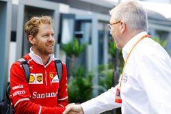 Sebastian Vettel, Ferrari, mit Ross Brawn, Formel 1, Motorsportchef