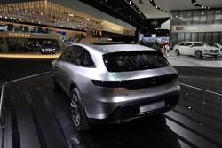 سيارة مرسيدس إي كيو الكهربائيّة 2020