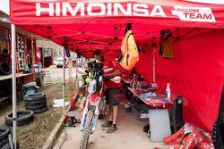 Himoinsa Racing Team KTM mechanic at work
