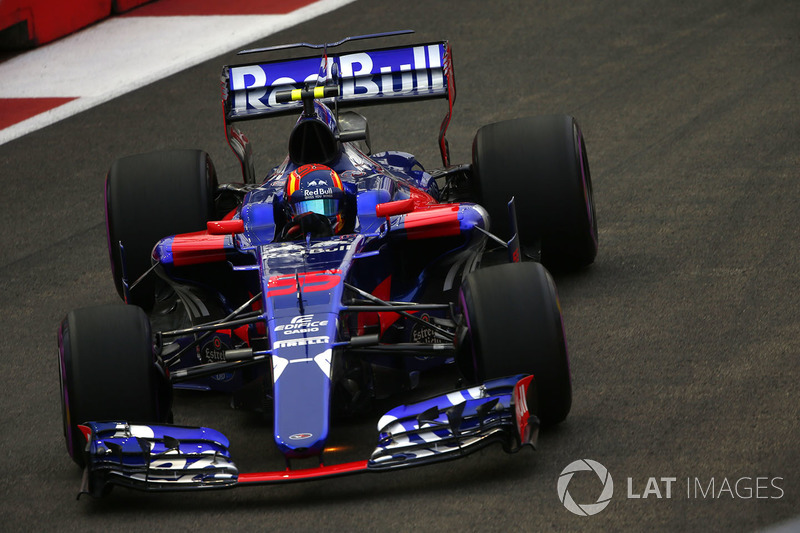 Kvyat conseguiu manter sua vaga na Toro Rosso em 2017, mas foi amplamente batido por Sainz. Gasly, então, assumiu a vaga do russo. Sainz se transferiu para a Renault antes do fim do ano, sendo substituído pelo neozelandês Brendon Hartley.