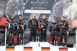 Podio: ganadores de la carrera Franck Perera, Maximilian Buhk, segundo lugar Andrea Caldarelli, Ezequiel Perez Companc, tercer lugar Marcel Fassler, Dries Vanthoor