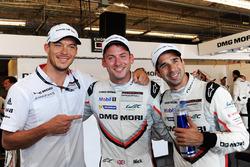 Ganadores de la pole Neel Jani, Andre Lotterer, Nick Tandy, Team Porsche