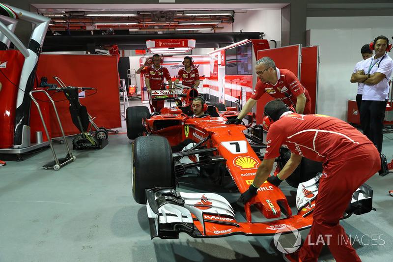 Ferrari mechanics and Ferrari SF70H