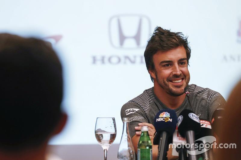 Fernando Alonso anuncia su acuerdo para la carrera en el 2017 de las 500 millas de Indianápolis en e