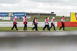 #1 Porsche Team Porsche 919 Hybrid: Neel Jani, Andre Lotterer, Nick Tandy during track walk